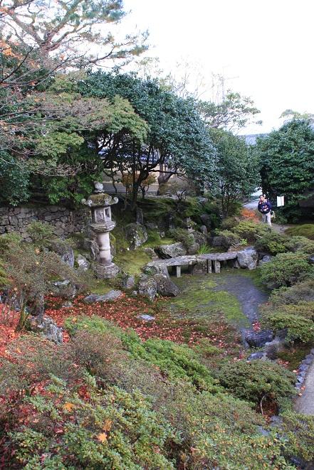 霊鑑寺庭園2.jpg